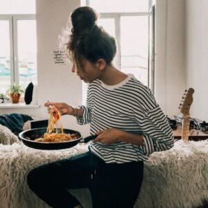 Put a Damper on Emotional Eating & Watch Your Progress Skyrocket